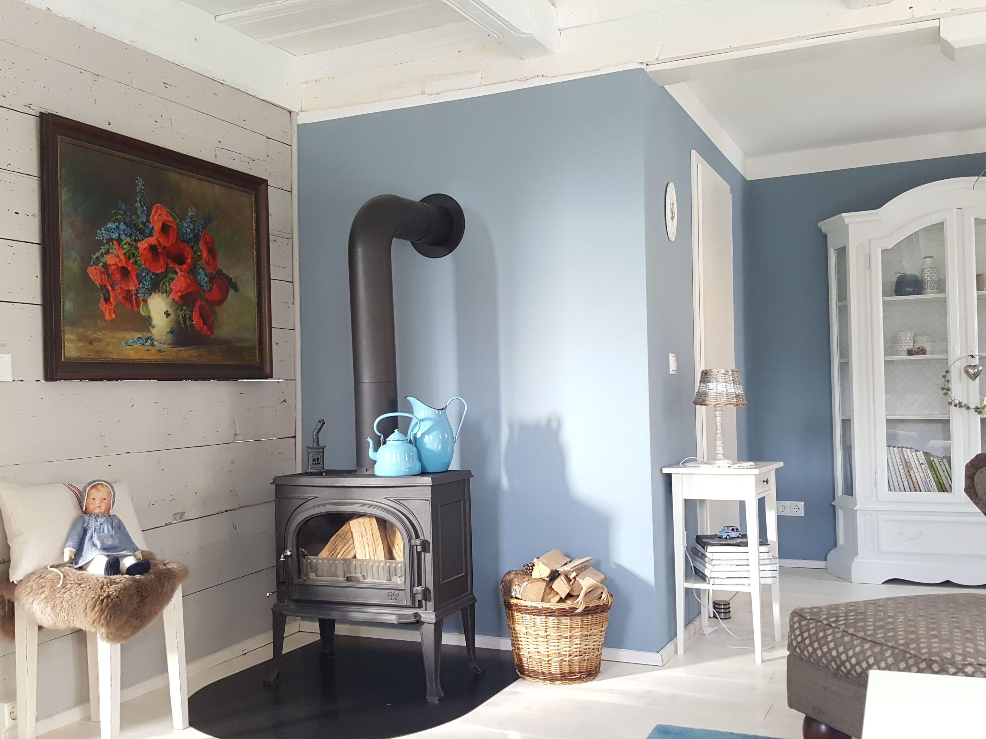 Am Wochenende Haben Wir Unser Wohnzimmer Aufgefrischt. Freu :relaxed:  Vorher Hatten Wir Braune Eichenbalken Und Die Verputzten Wände Waren Weiß.