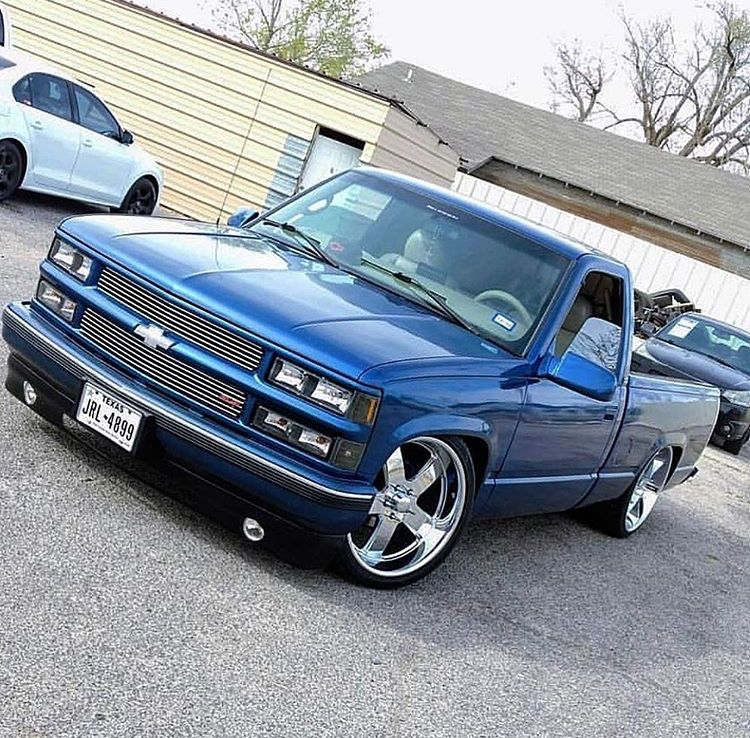 Love The Color Wish The Front Bumper Was A Color Matched Smoothie Custom Chevy Trucks Chevy Trucks Chevy Pickup Trucks