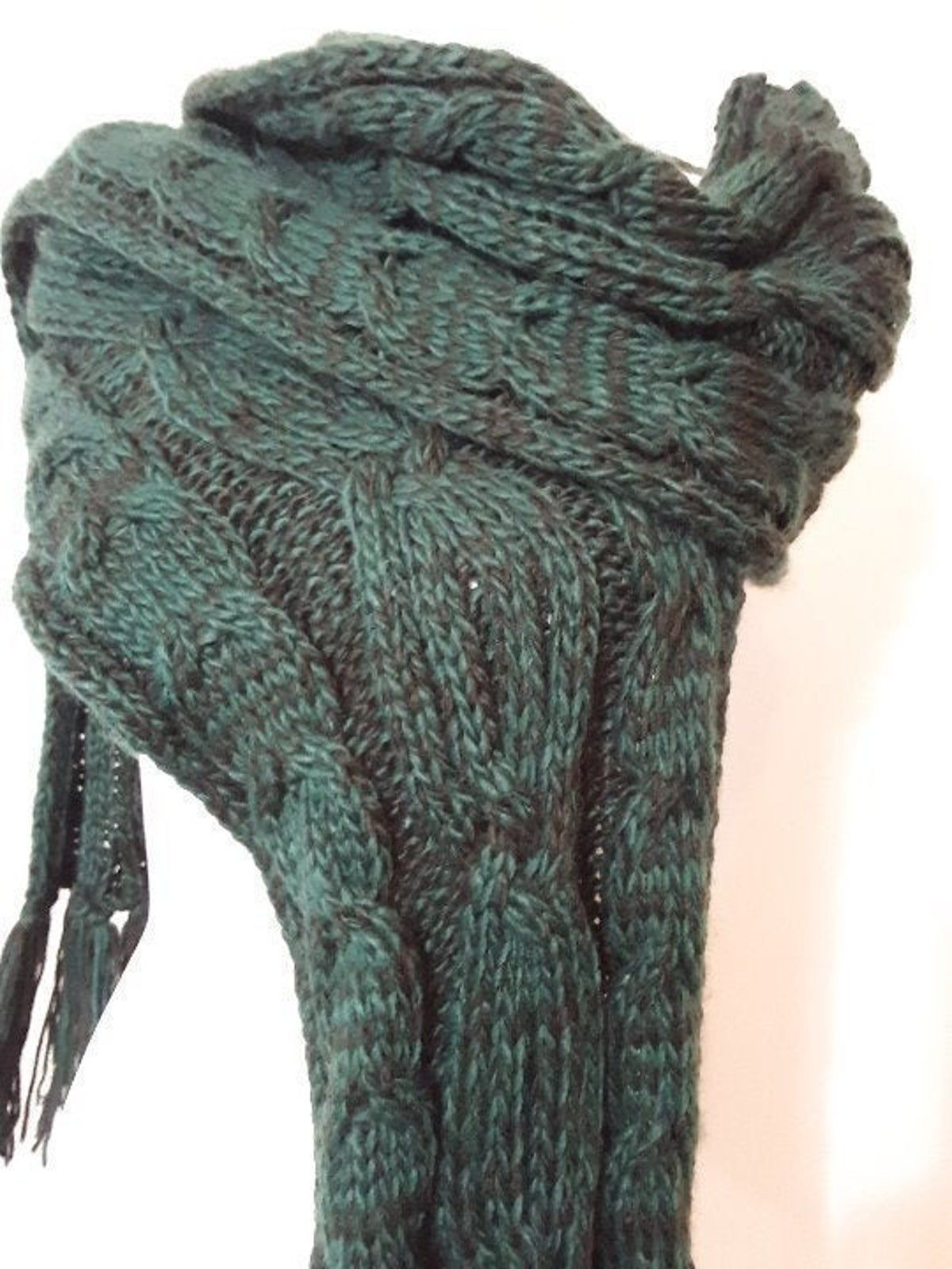Photo of Maurice's Green Cable-knit Scarf NWT