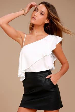 4b2370b6d249b Blouses   Dressy Tops for Women in Juniors Sizes at Lulus.com ...