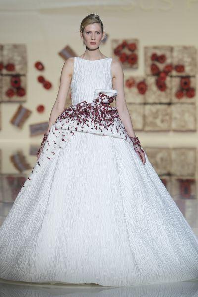Vestidos de novia con cintas y lazos 2017: 30 diseños llenos de romanticismo Image: 17