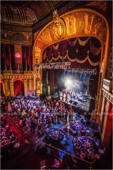 Awesome Wedding At The Fillmore Detroit Great Unique Michigan Venue Www Arisingimages