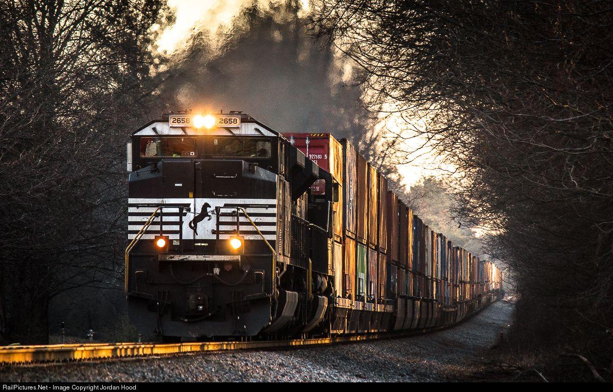 RailPictures.Net Photo: NS 2658 Norfolk Southern EMD SD70M-2 at Oakwood, Georgia by Jordan Hood