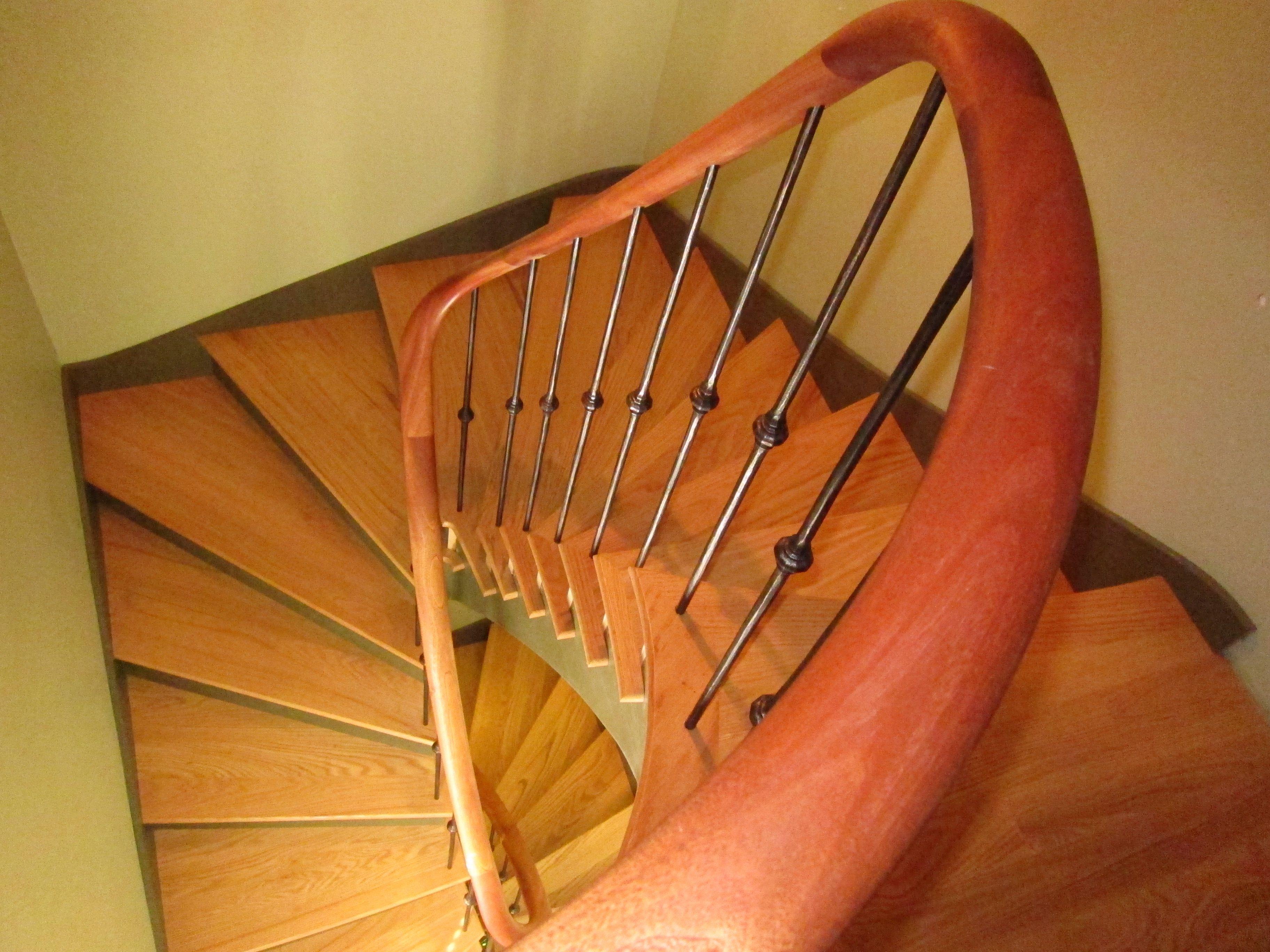Best Tangent Handrail Custom Handrail Wreath Handrail Stairs Custom Stairs Greek Revival Home 400 x 300
