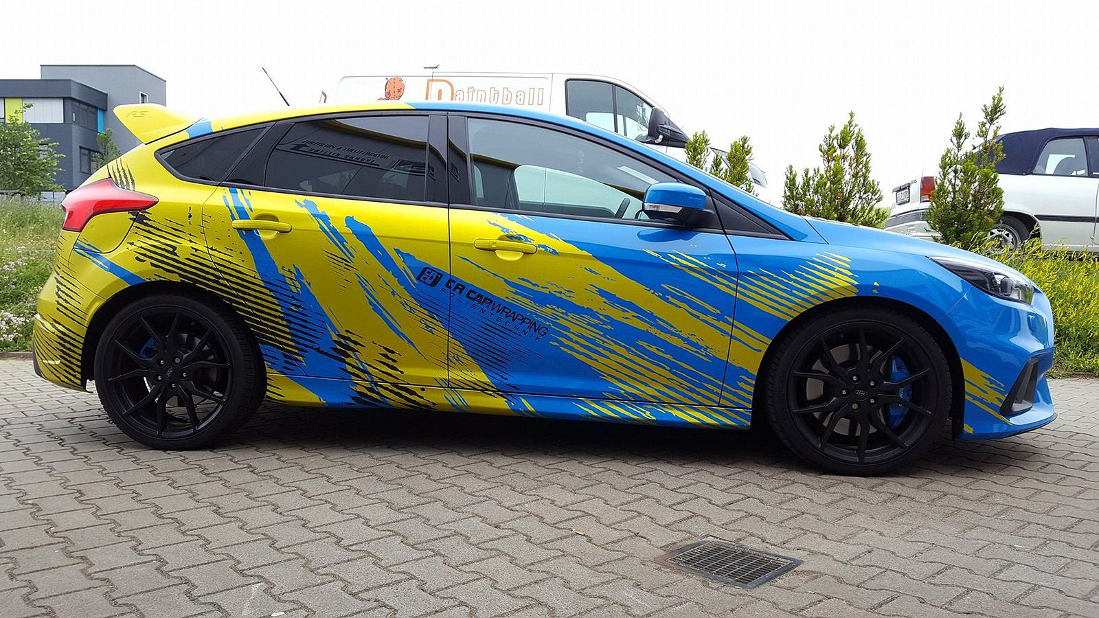 ford focus rs blue yellow part wraps car wrap design pinterest focus rs ford focus and ford. Black Bedroom Furniture Sets. Home Design Ideas