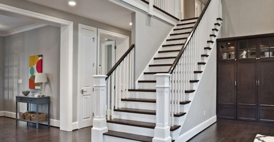 Perfect Beautiful Staircase, Open Side On The Kitchen, Half Open On The  Living Room