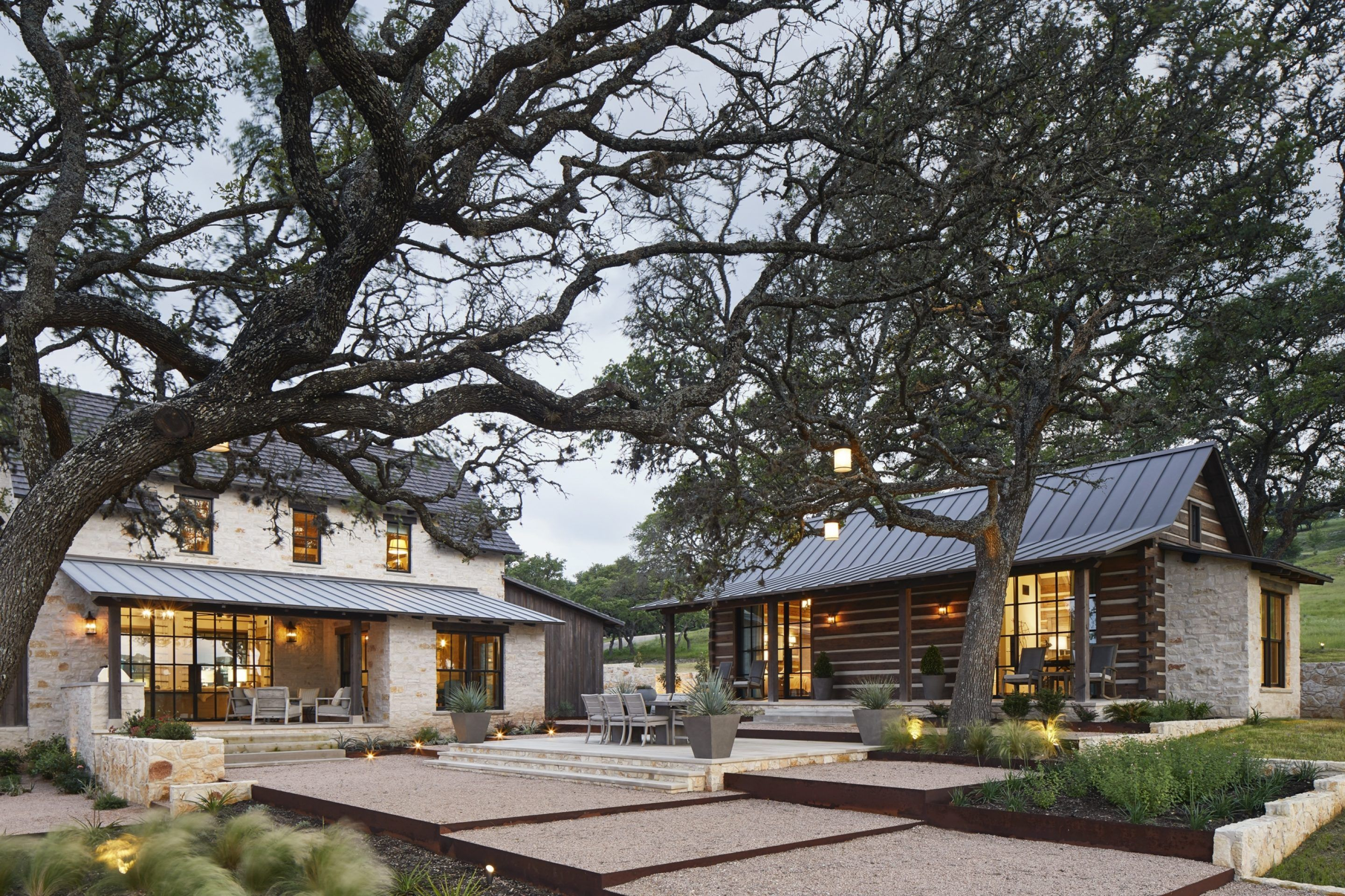 Hill Country Residence In 2020 Residences House Styles City House