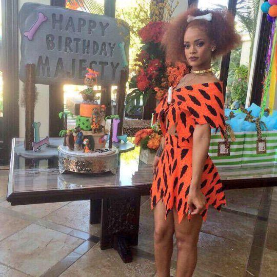 Flintstones Orange 2010 00 Rihanna Wears Jeremy Scott Spring 2015 To Niece Majesty's 1st