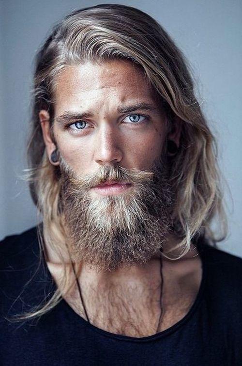 Taglio di capelli lunghi maschio