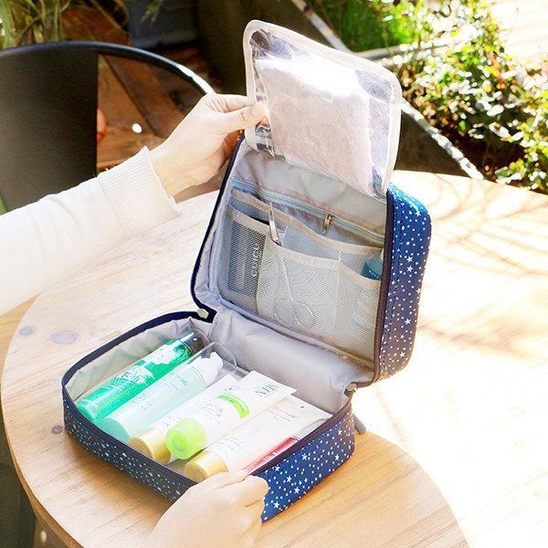 2995d69e9d5b Women Nylon Floral Toiletry Bag Travel Must-have Storage Bag ...