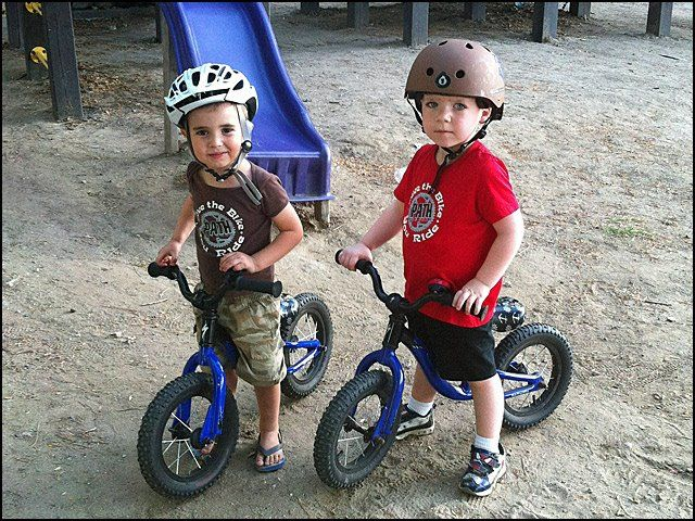 b89d5480768 AWESOME #127 - little kids on bikes | Kids | Bike, Bicycle, Lovers