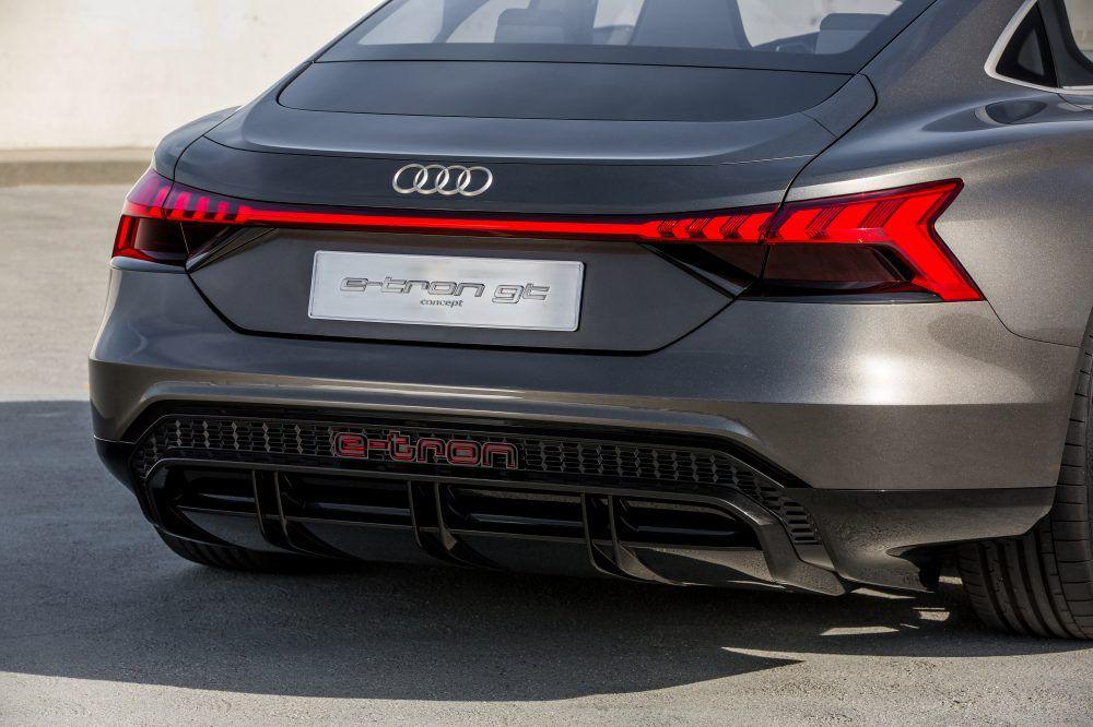 Audi E Tron Gt Concept Review Charging Range Performance In 2020 E Tron Audi E Tron Audi