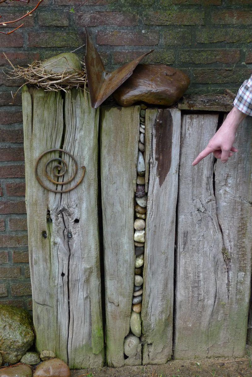 Kieselsteine im alten Holzbalken | ELA | Pinterest | Alte holzbalken ...