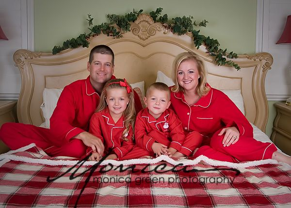 Christmas Pajamas Photoshoot.Family Pajamas Photography Family Christmas Pajamas
