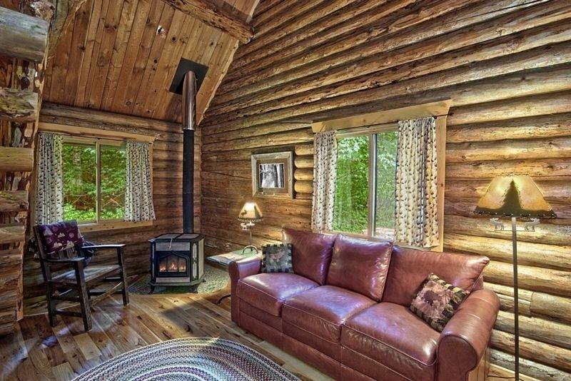 Moon Mountain Cabin Near Mount Rainier, WA