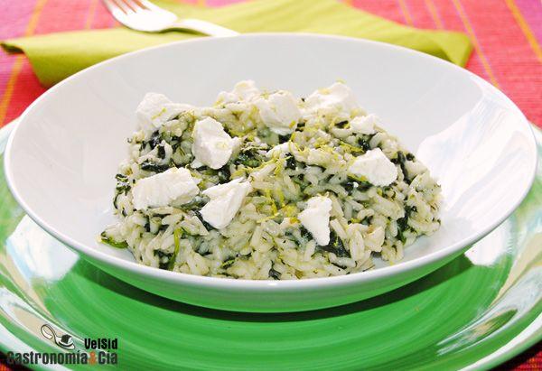 Spanakorizo (Plato griego de arroz con espinacas y queso)