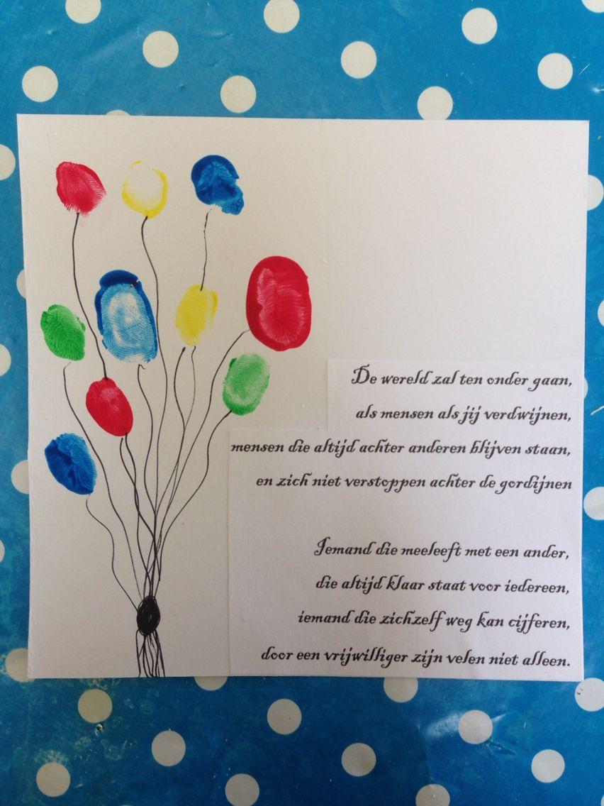 Bedankje voor vrijwilligers. Vingerafdrukken van de kinderen in de vorm van een ballon.