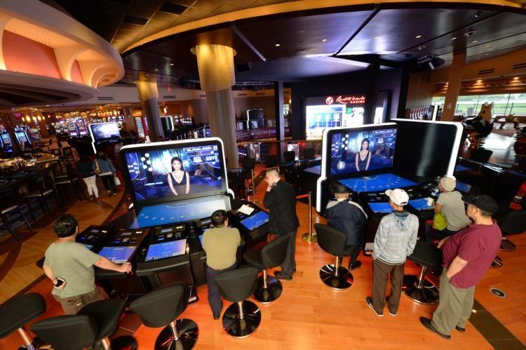 EXCLUSIVE Resorts World Casino in Queens now dealing up
