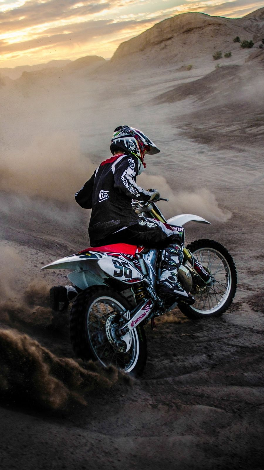 Motocross Mudding IPhone Wallpaper