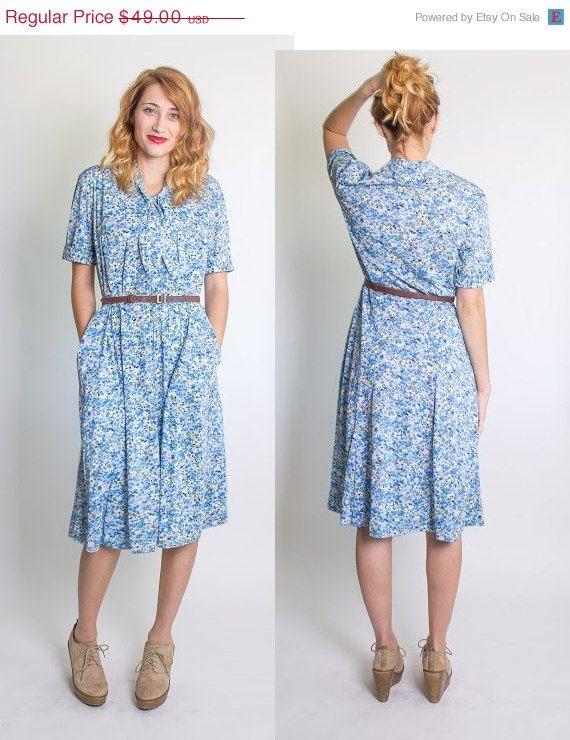 Vintage 1960/'s blue floral day dress