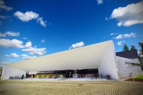 Seinäjoen kaupunginkirjasto Apila on päässyt suomalaisen uuden arkkitehtuurin kymmenen kärkeen.