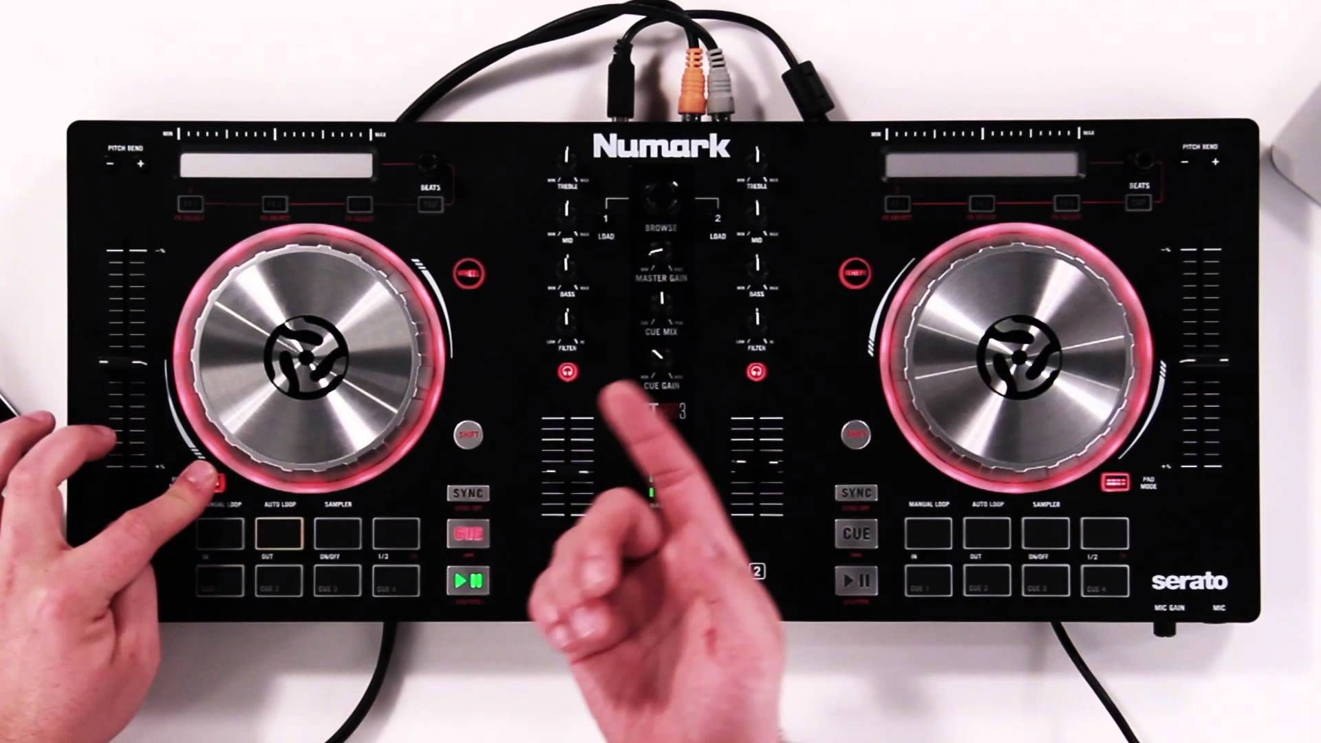 Mesa De Mezclas Hercules Mk4 Numark Mixtrack Pro 3 Tutorial Walk Through Dj Pinterest