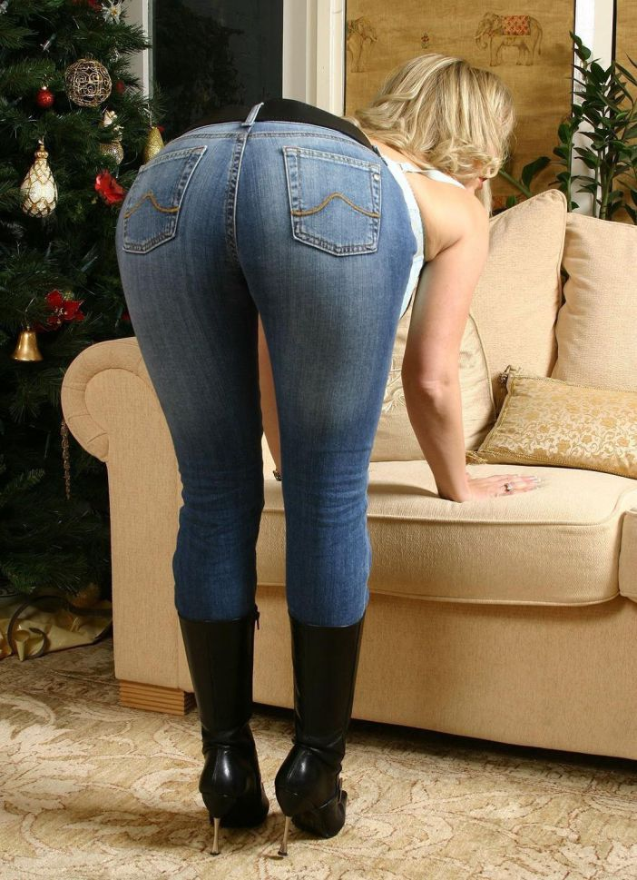 Milf panty line jeans tight ass