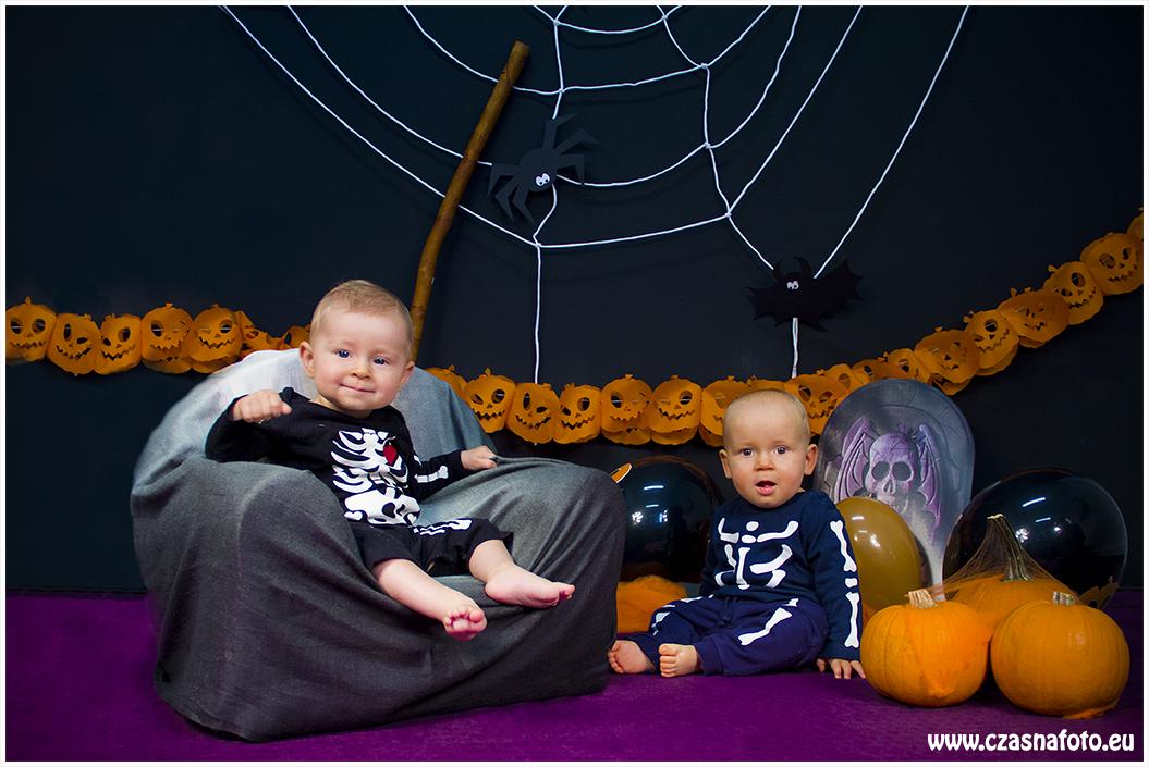 Halloween session - 7 month Gabi and 10 months Kajtek/ Sesja halloweenowa - 7 miesięczna Gabrysia i 10 miesięczny Kajtek