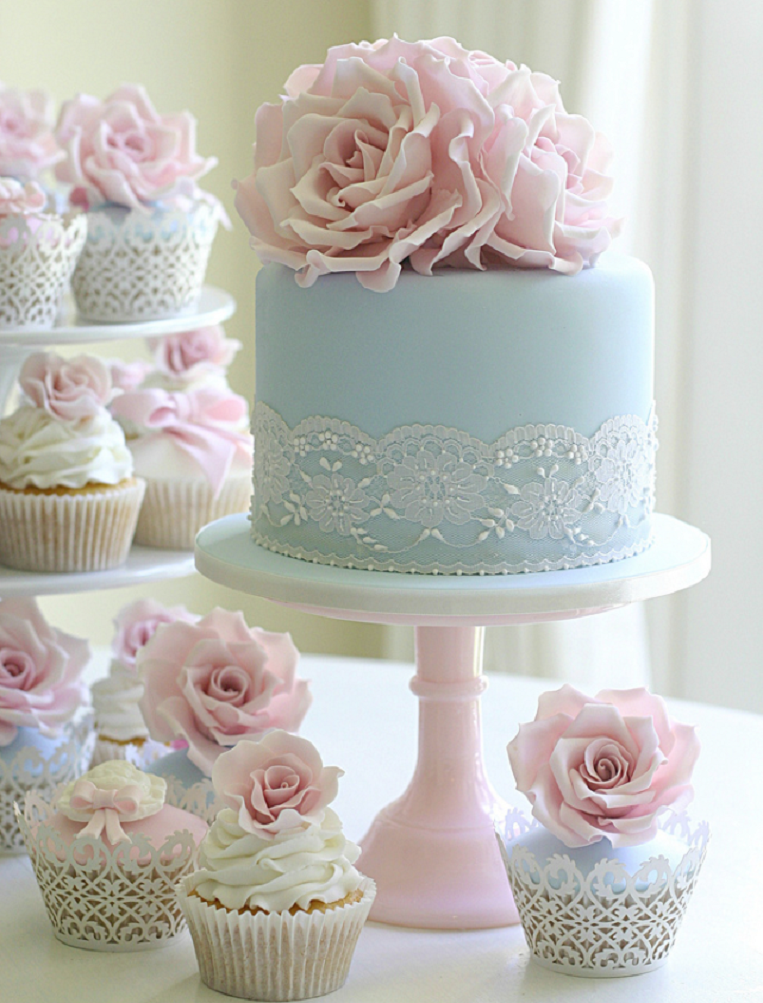 Small Blue Wedding Cake With Cute Wedding Cupcakes 18 Floral - Small Blue Wedding Cakes
