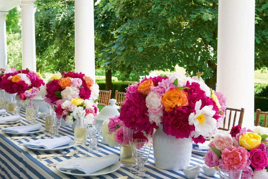 Easter brunch inspiration - Carolyne Roehm's Lush New Title, Flowers