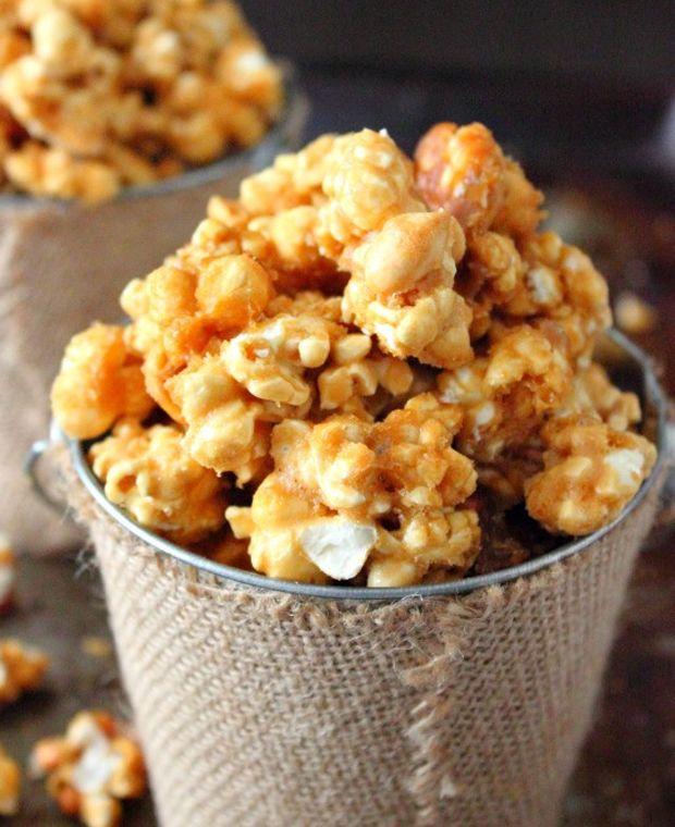 Butter-Toffee-Popcorn Recipe - RecipeChart.com #Snack #Sweets #Treats