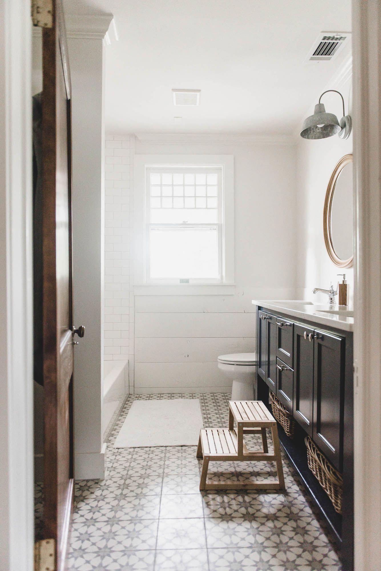 27 elegant white bathroom ideas to inspire your home on bathroom renovation ideas white id=72790