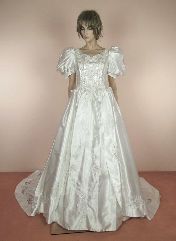 80S Puff Sleeve Wedding Dress