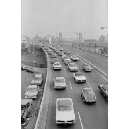 USA New York City Harlem River Drive traffic Canvas Art - (24 x 36)