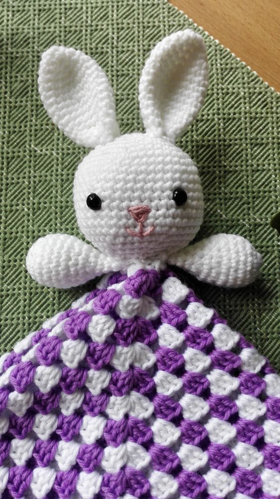 Free pattern of a Bunny-lovey! :)   baby   Pinterest