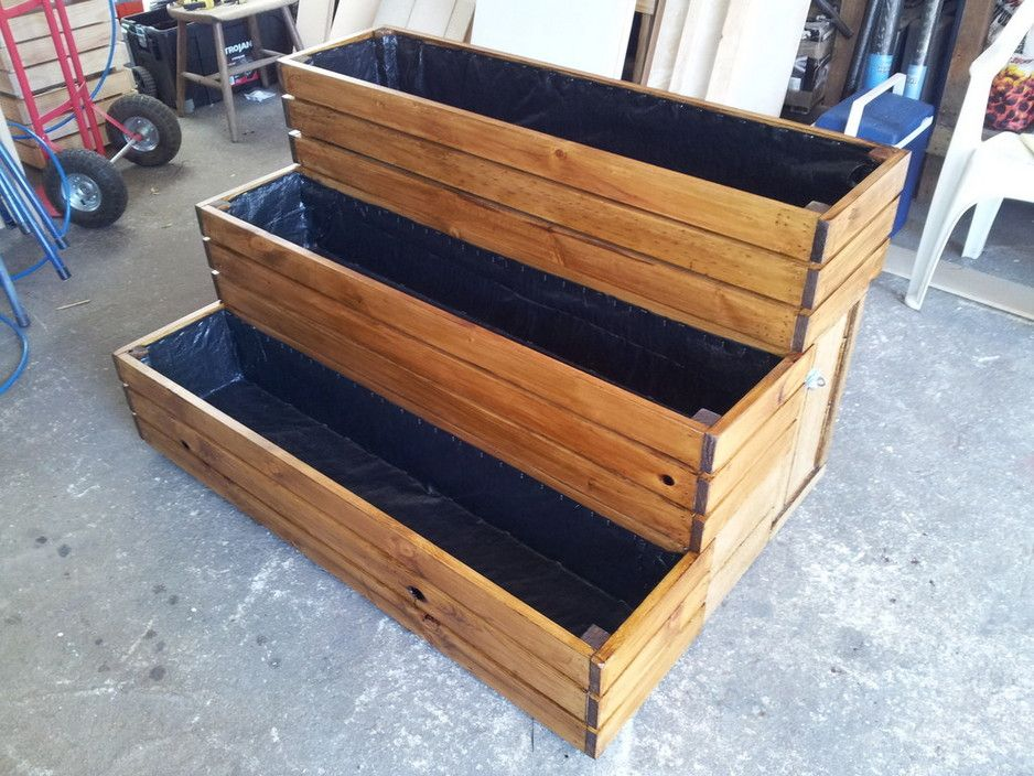 3 Tier Planter Box Stained In Maple Made To Order 400 x 300