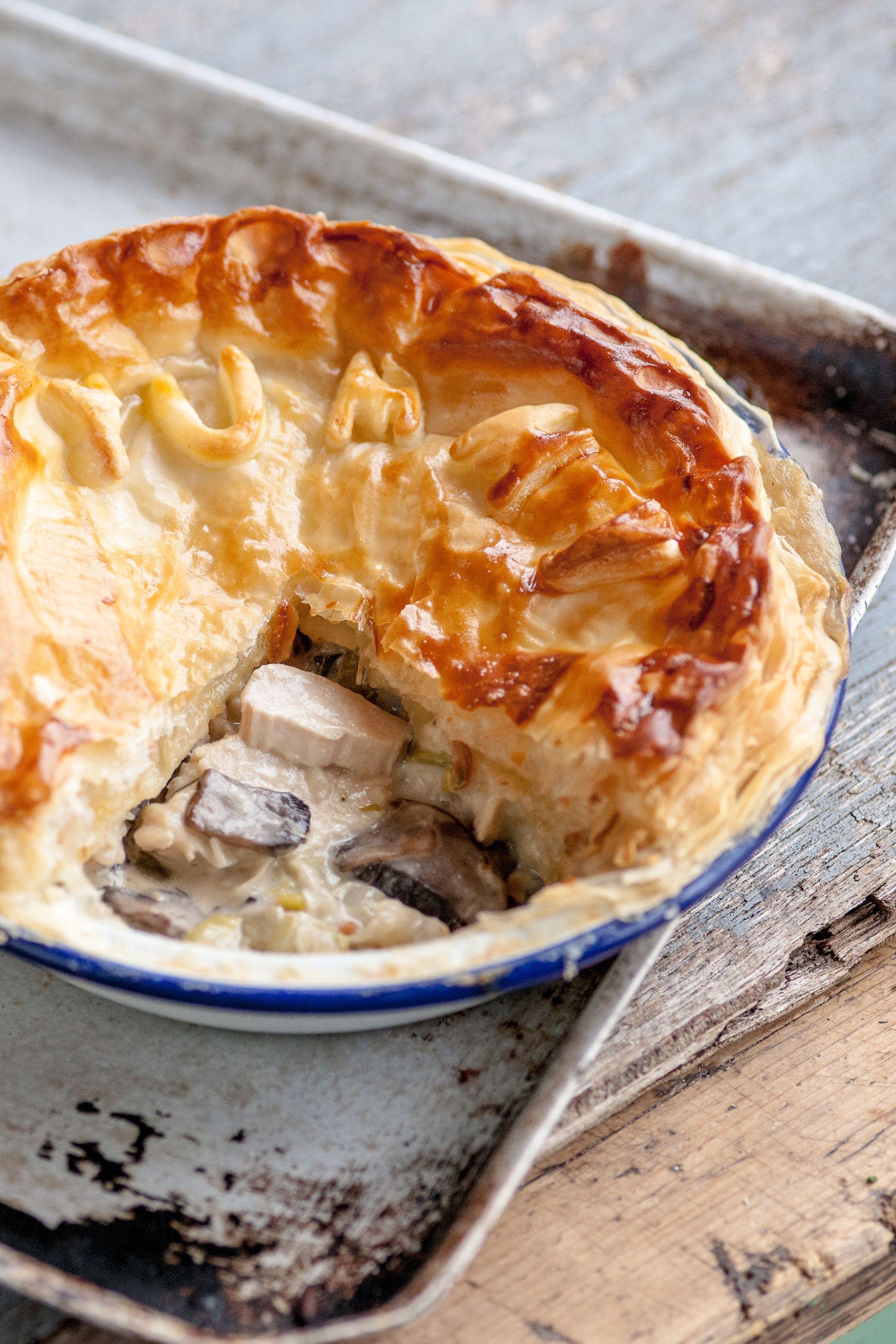 Chicken leek and mushroom plate pie & Chicken leek and mushroom plate pie | Recipe | Chef shaun rankin ...