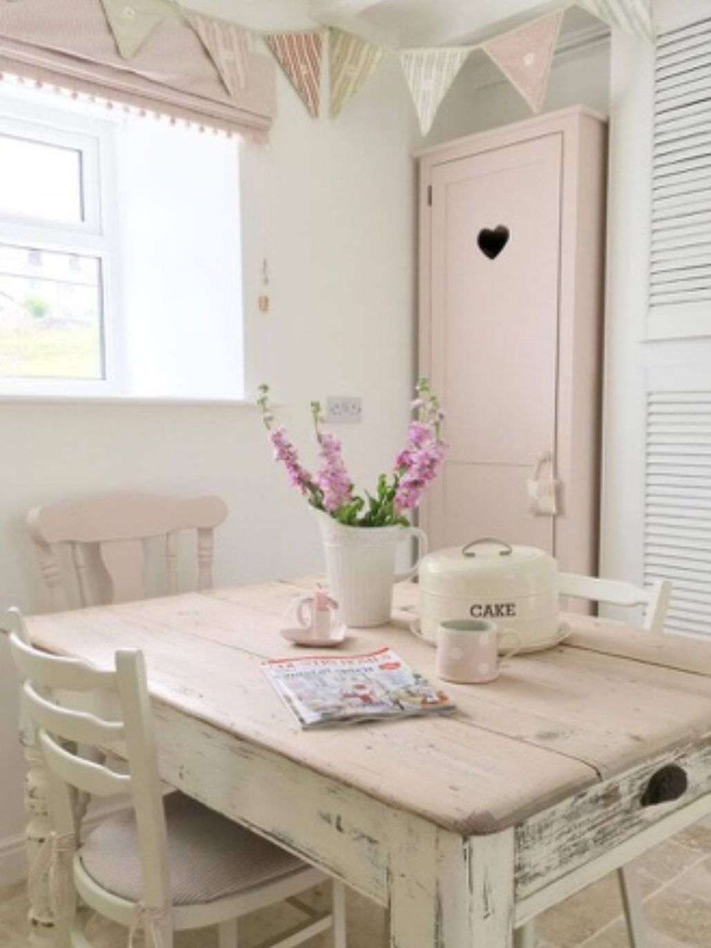 pin by iva conley on shabby cottage 2 english french country rh pinterest com