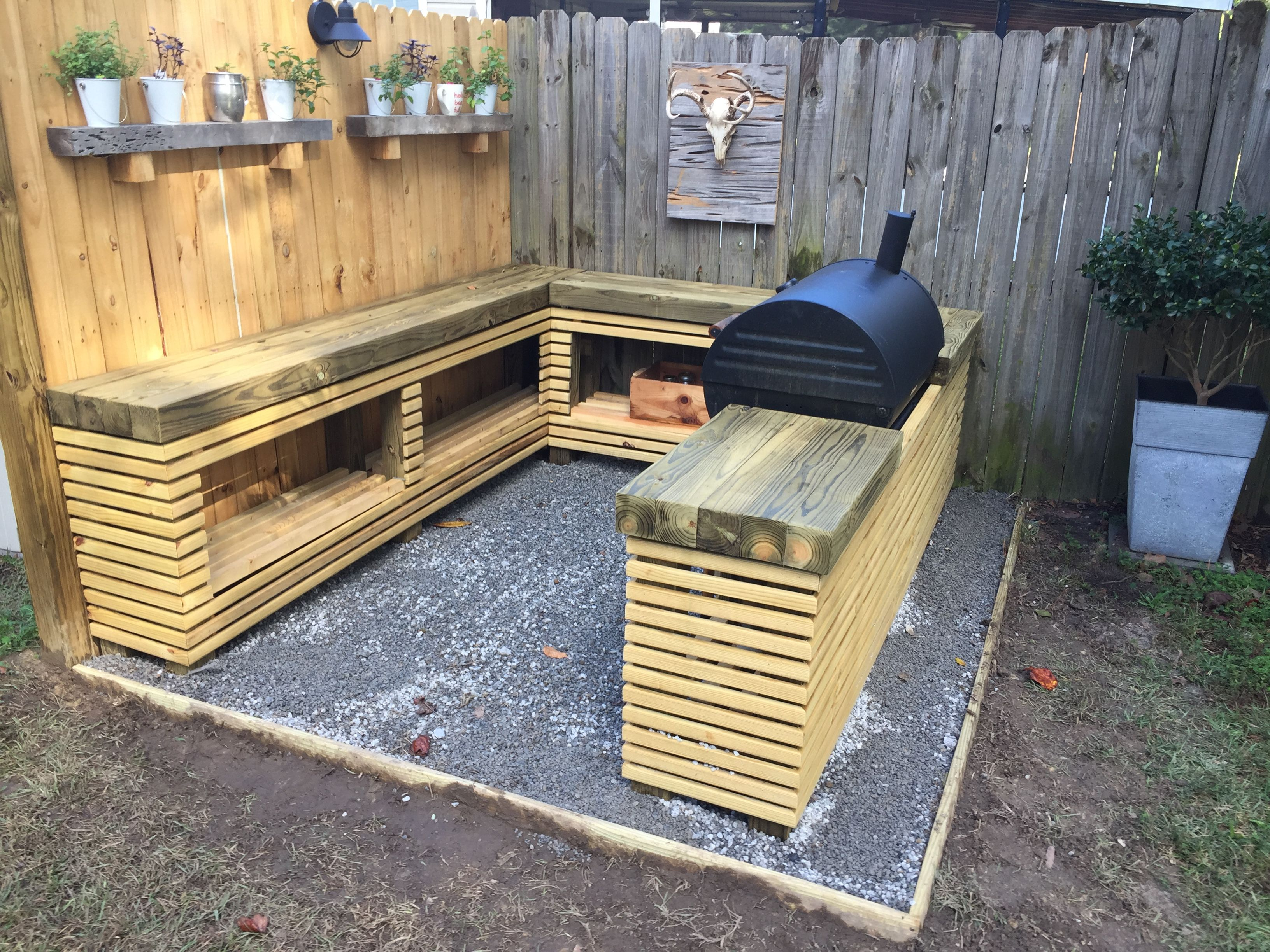 outdoor grilling area 4x4 countertops with 1x2 slatted lower rh pinterest com