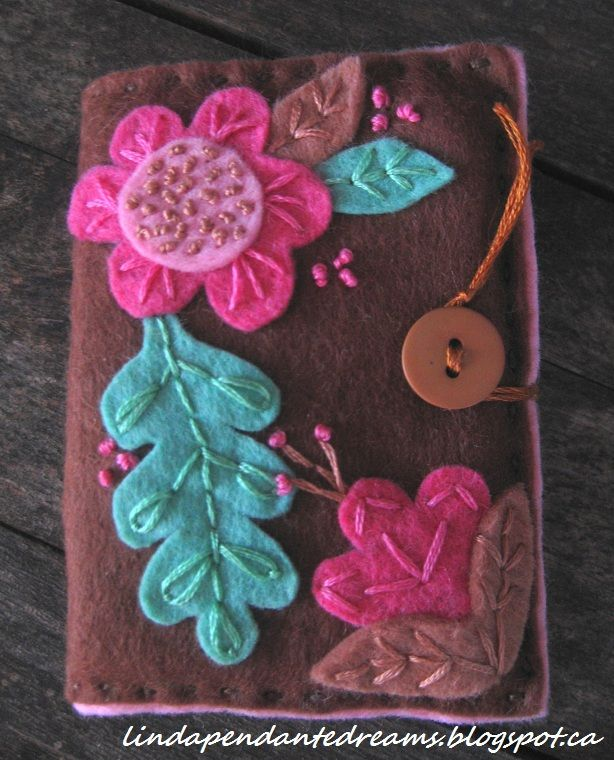 Diy Felt Book Cover : Lindapendante dreams felt needle holder books this