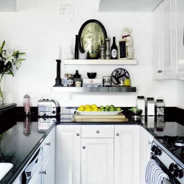 Weiße Kleine Küche Einrichten Mit Schwarzen Elementen