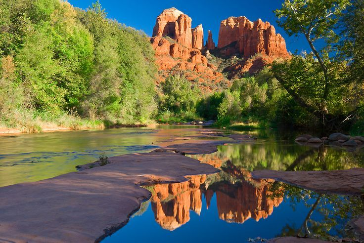 love love love Sedona....lish that wedding I saw was along the river like this picture