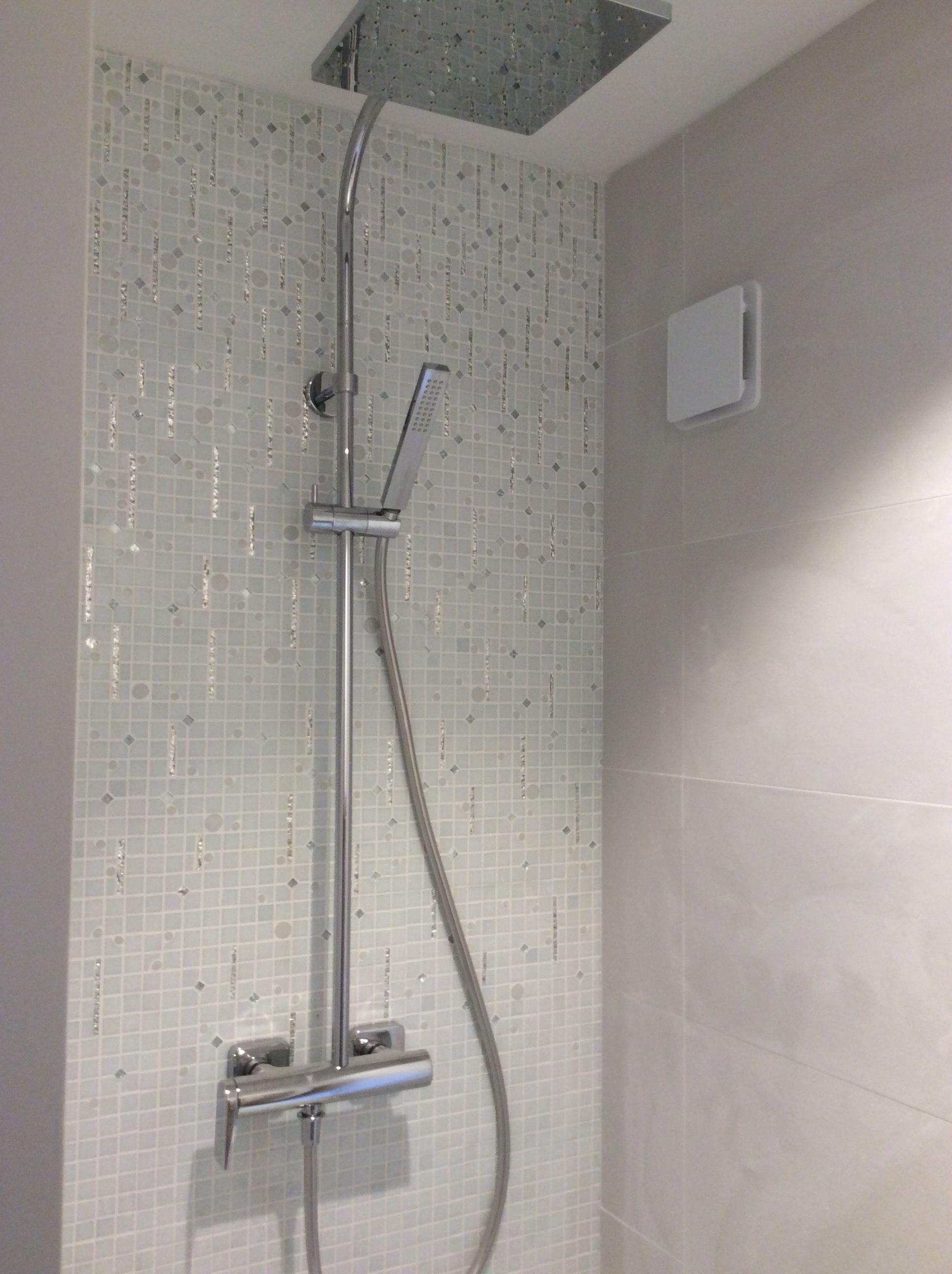 Emaux De Verre Salle De Bain ~ salle de douche l italienne personnalis e p tes de verre miroirs