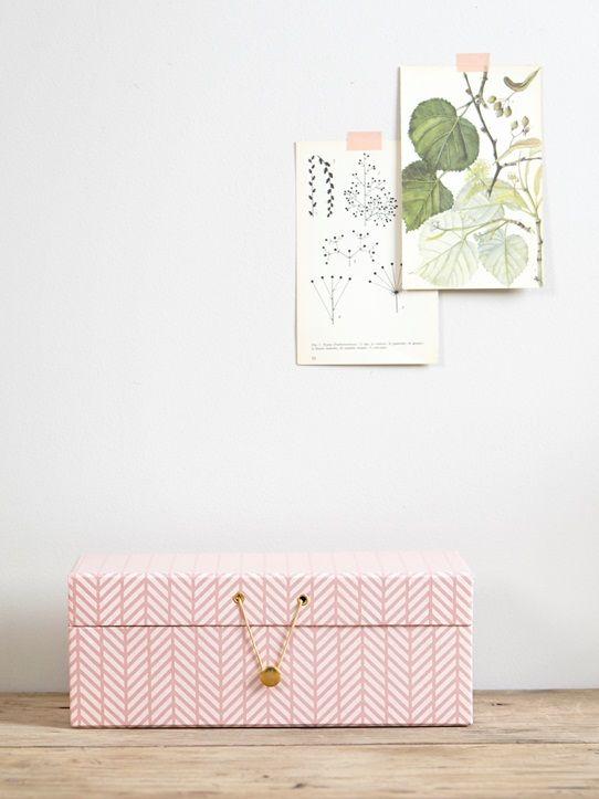 Boite De Rangement Utile Et Decorative Imprimee De Motifs Roses Et