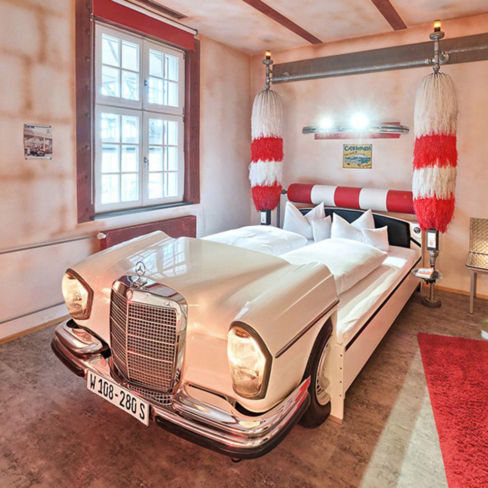 25 best ideas about au ergew hnliche hotels deutschland. Black Bedroom Furniture Sets. Home Design Ideas