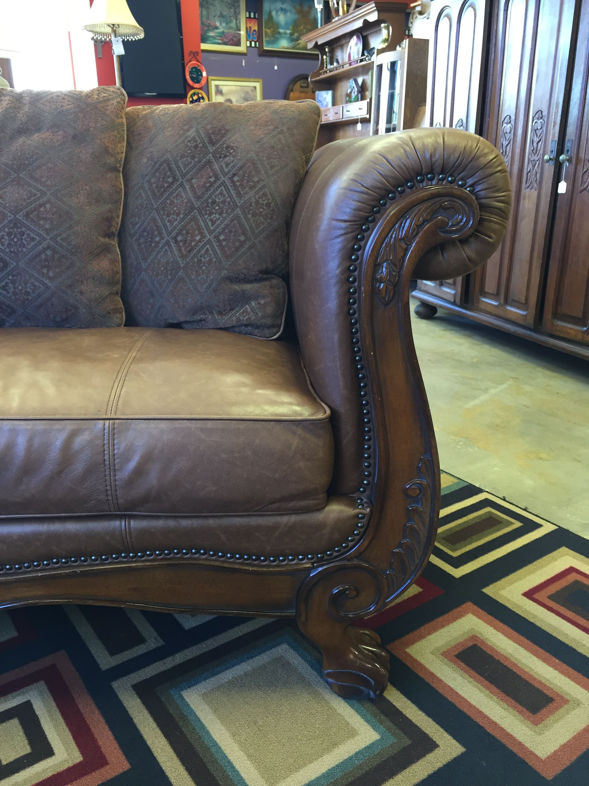 Breath taking sofa and loveseat dont miss out come by