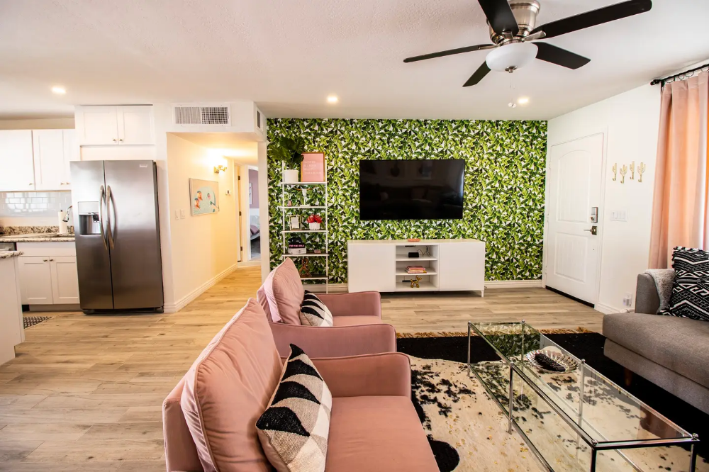 Girls Getaway At The Pink Cactus Houses For Rent In Scottsdale Arizona United States In 2020 Renting A House House Home