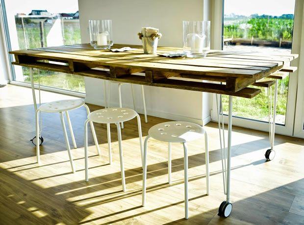 Mesa de comedor con un palet   palet   Pallet dining table, Table y ...