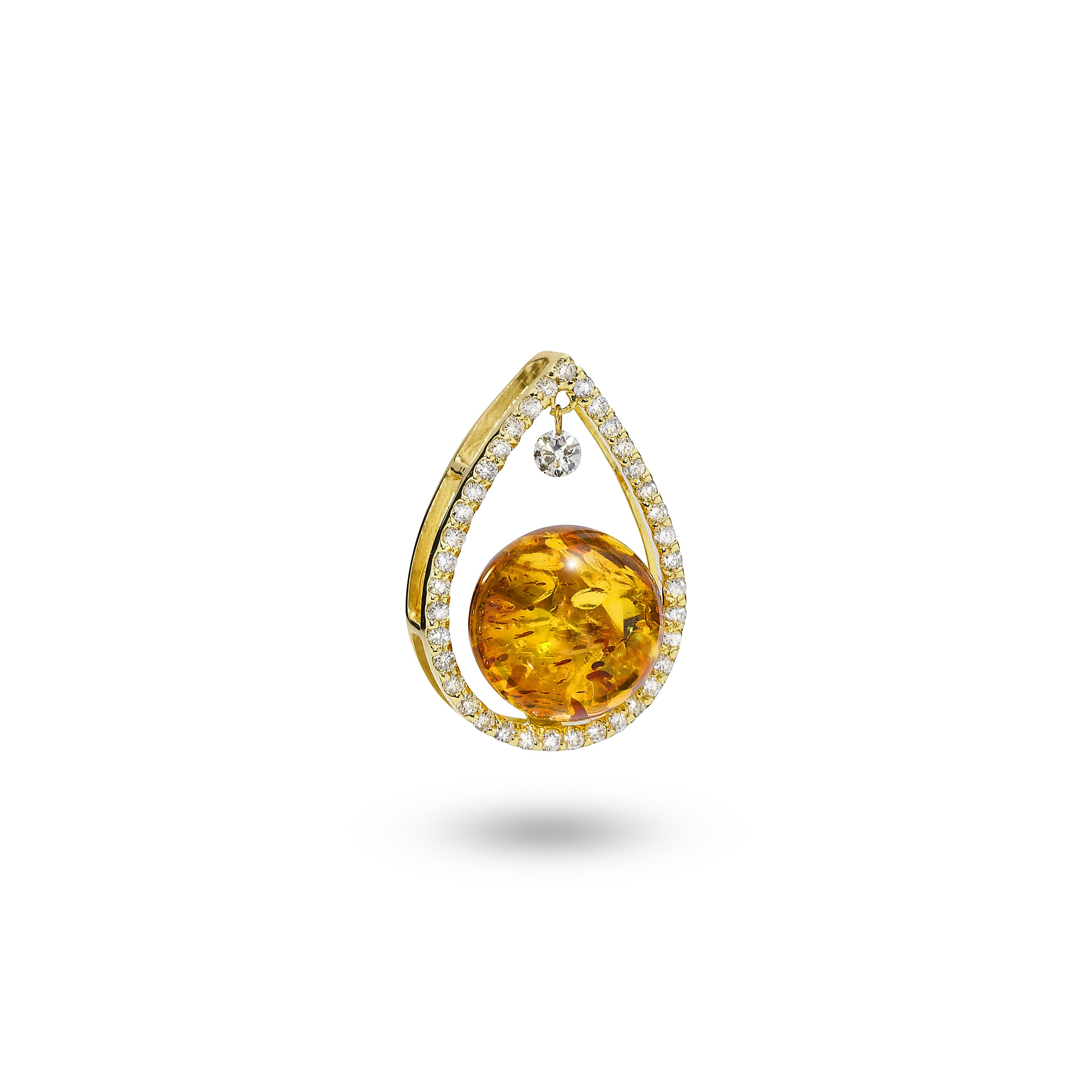 House of Amber - A pendant in 18 carat gold, 0,41CT diamonds and cognac amber. The pendant is a part of the Ballroom Collection. Item no.: 3378028