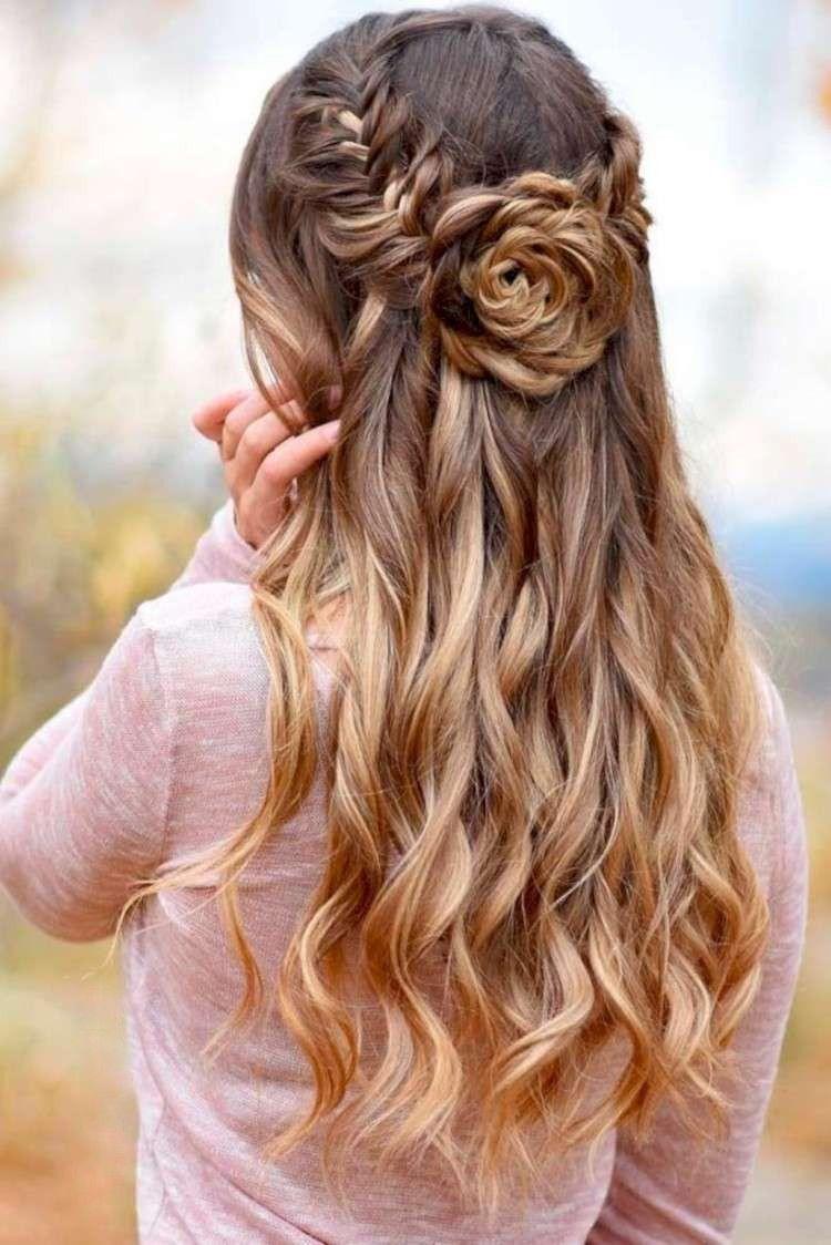 Lange Haare Halboffen Stylen Blume Flechten Hairstyles Geflochtene Frisuren Flechtfrisuren Hubsche Frisuren